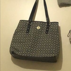 Tommy Hilfiger Black tote In great Condition!